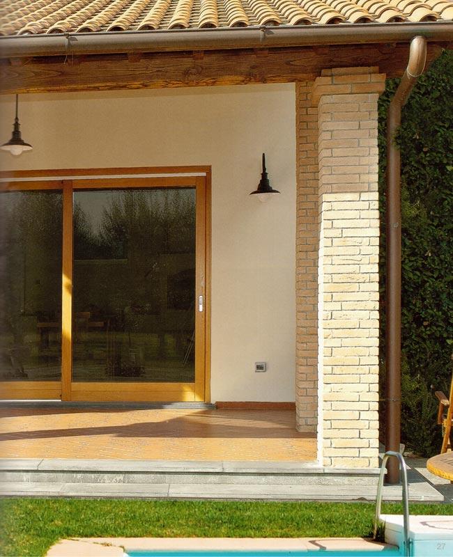 Portafinestra in pvc scorrevole alzante mdb portas nurith - Costo porta finestra pvc ...