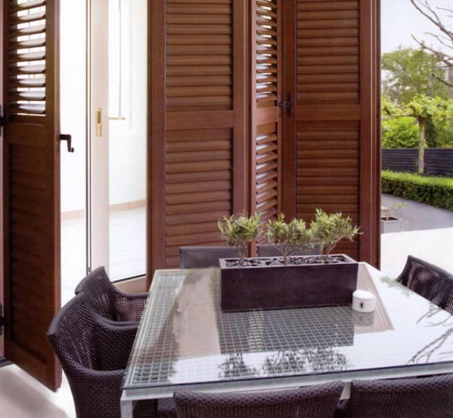 Porta finestra a libro for Scuri in legno prezzi online